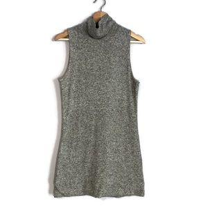 WhiteHouse BlackMarket gray zip sweater tunic top